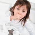 La tosse nelle infezioni respiratorie in età pediatrica: terapia omeopatica e antibiotica a confronto