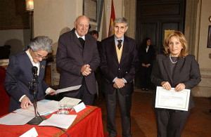 Secondo da destra: Prof. Sergio Mosso, con S.E. Card. Spidlik e Prof.ssa Salvi - SIMOH 11.11.2002