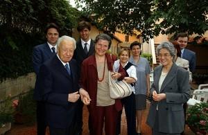 Il Prof. Antonio Negro, con i Suoi Collaboratori e la giornalista Lauretta Colonnelli