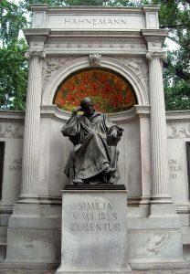 Samuel_Hahnemann_Monument,_Scott_Circle